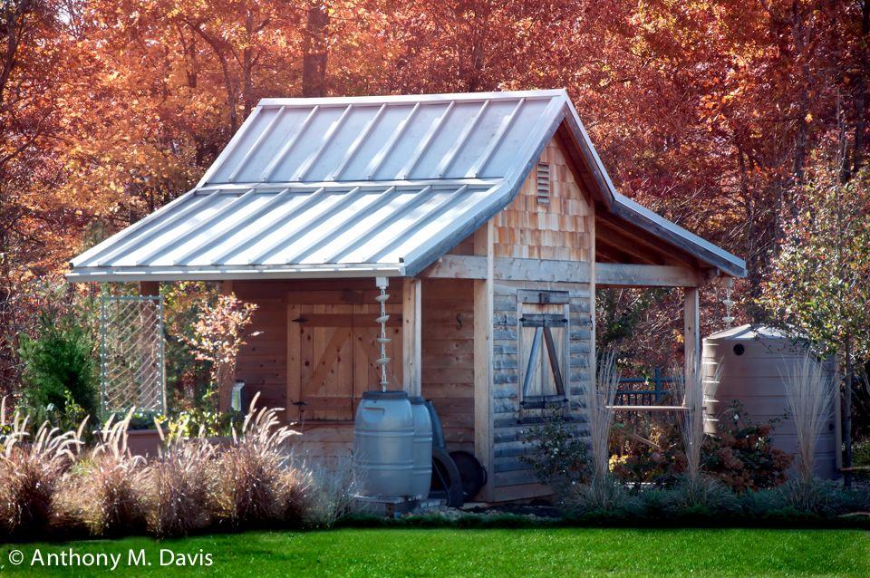 Garden shed in Fall