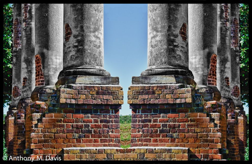 Barboursville pillars