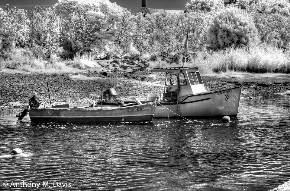 Two boats - Infrared image